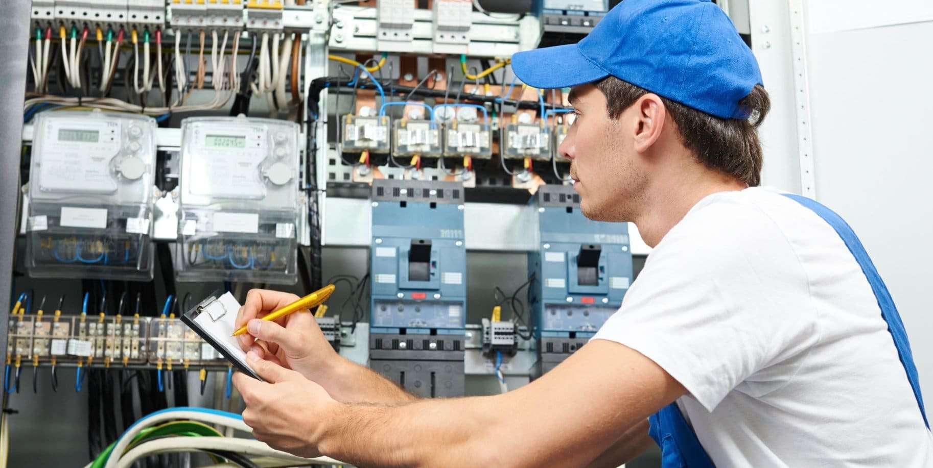 elektrikár ističe revízia audit