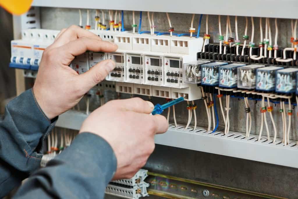 údržba elektrických rozvodov