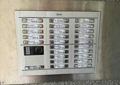 Domový zvonček 2-drôtový – GOLMAR GB2 – VIDEO 52bytov [REALIZÁCIA]