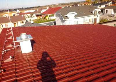 Uchytenie bleskozvodu na streche spolu s jímacou tyčou