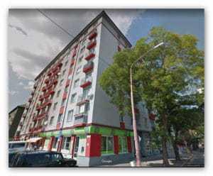 kamerové systémy Pohľad na bytový dom v Bratislave