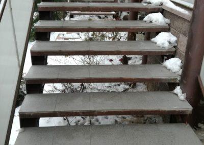rozmrazené schody