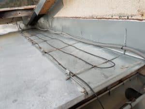 ohrev časti strechy pre odtekanie vody