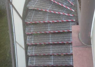 rozmrazovanie schodov - montáž