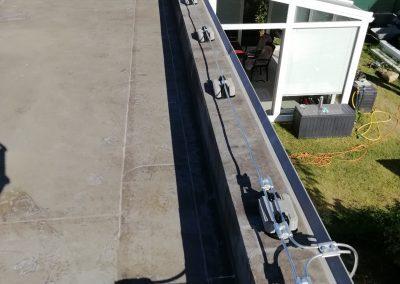Zachytávacia sústava po atike plochej strechy