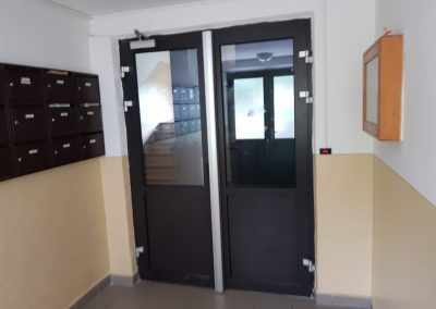 Druhé dvere s elektromagnetom