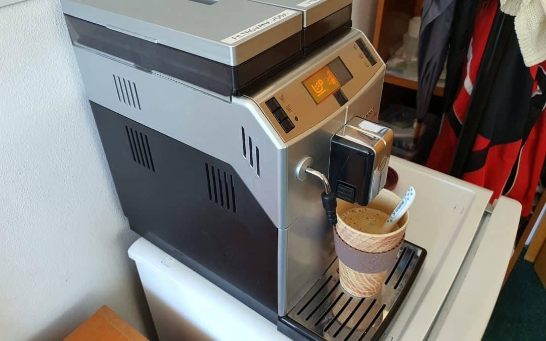 Výborná káva pre našich elektrikárov