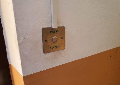Odchodvé tlačítko v nerezovom prevedení